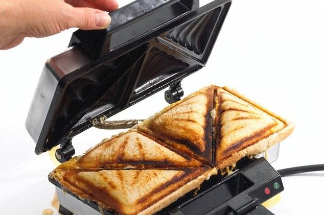 Come si pulisce un tostapane