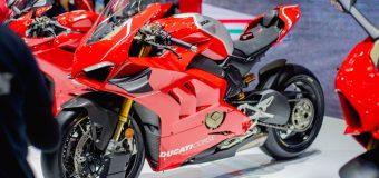 La nuova Ducati Superleggera V4